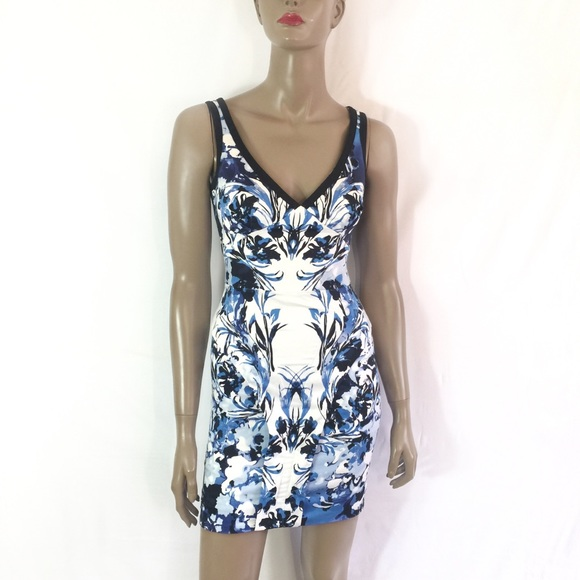 8e269ddee1 bebe Dresses & Skirts - BEBE BLUE AND WHITE FLORAL Bodycon Dress
